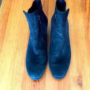 Arche nubuck zip up ankle boots
